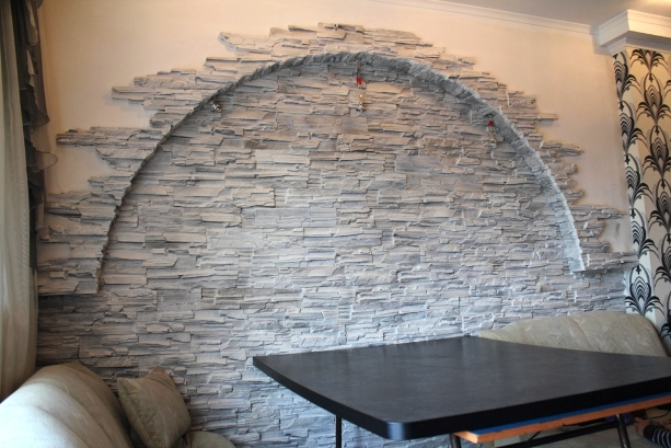 Как сделать декоративные камни на стену