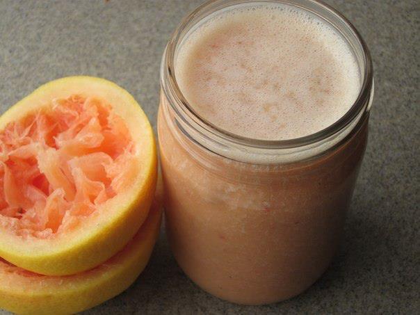 Grejpfrut i med. Eliksir lepote i zdravlja koji sagoreva kalorije.