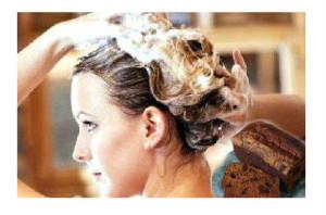 Operite kosu prirodnim šamponom. Domači šamponi -  provereni recepti