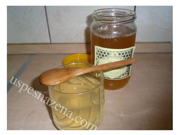 Kako pripremiti lekovitu medenu vodu. Ovo morati znati obavezno!