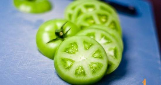 Kako izlečiti varikozne (proširene) vene uz pomoć paradajza.