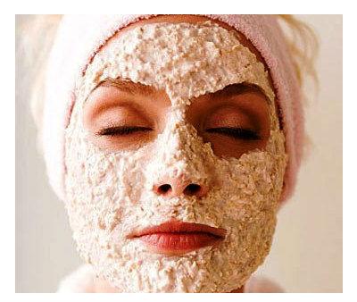 Podmlađujuća maska za lice sa ovsenim pahuljicama.