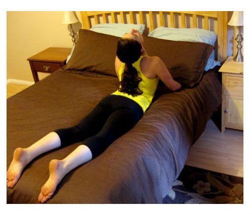 Petominutne vežbe istezanja nakon buđenja u krevetu.