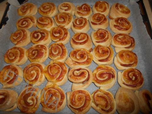 lisnate ružice sa salamom i sirom