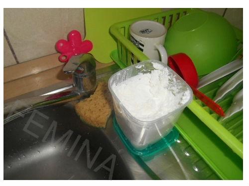 Bezbedno domaće sredstvo za pranje sudova i održavanje čistoće u celoj kući. Napravite sami brzo i lako.