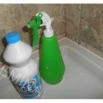 Kako očistiti buđ na silikonu u kupatilu.