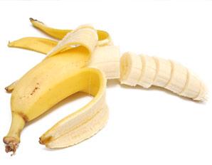 Trik savet: Isecite bananu dok je još u kori!