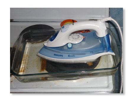čišćenje pegle od naslaga, prljavštine i kamenca