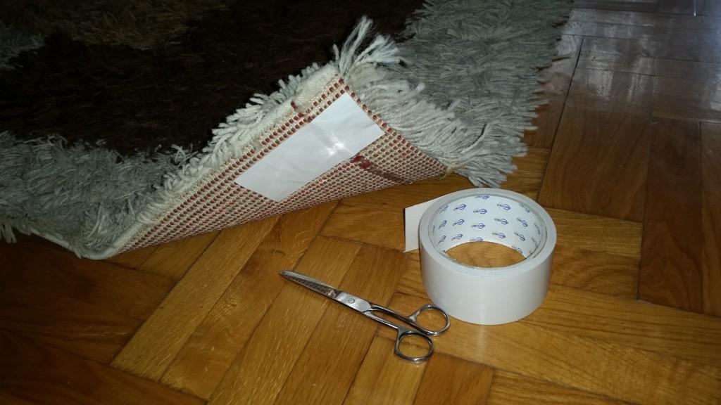 Kako ispraviti uvrnuti kraj tepiha