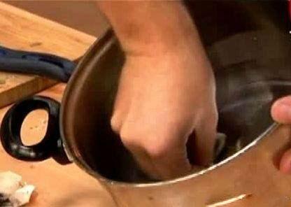 Kako, bez hemije, očistiti posuđe od zagorele masnoće