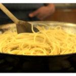 Kako skuvati špagete u tiganju za 4 minuta
