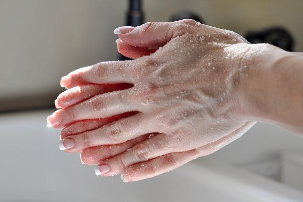 Domaći piling za nežne ruke