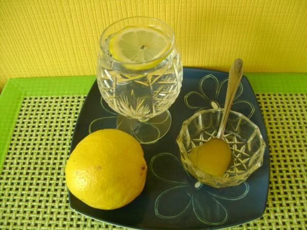 voda sa medom i limunom