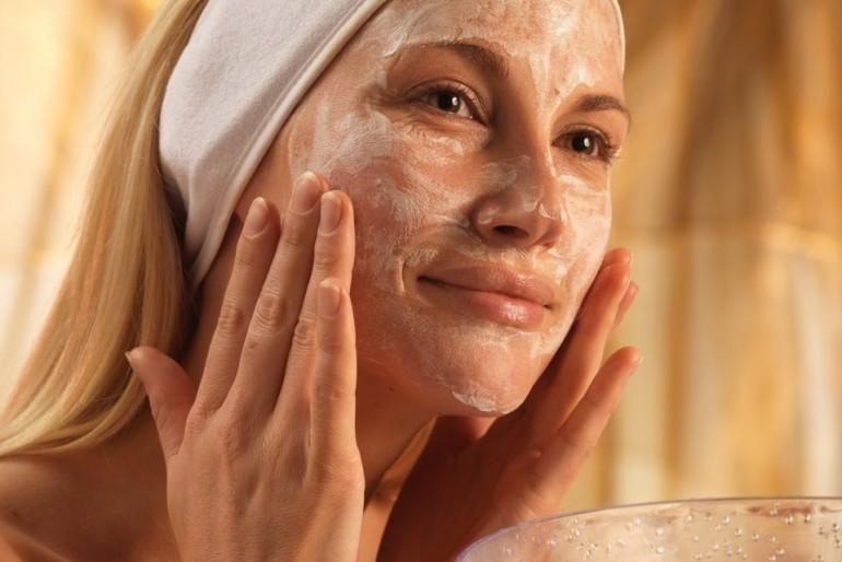 Osvežite kožu lica, sačuvajte mladost i lepotu. Maske za lice od kvasca – 5 najboljih recepata