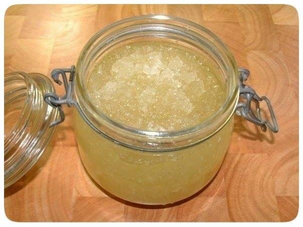 Domaći šećerno-slani piling protiv strija i celulita.
