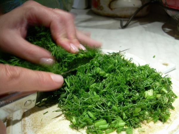 Kako sačuvati zelen svežom i aromatičnom bez zamrzavanja.