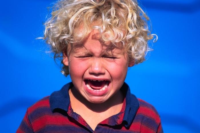 Kako lako umiriti ljutito i nervozno dete. Odličan trik koji deluje!
