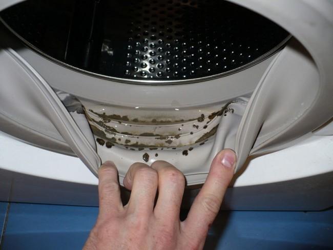 Kako eliminisati buđ i neprijatan miris iz veš mašine