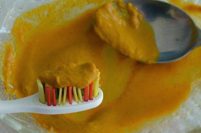 Izbeljivanje zuba kurkumom