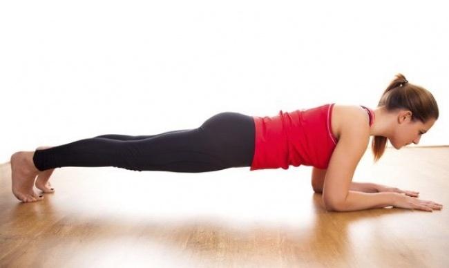 5 vežbi da posle praznika, dovedete telo u formu.