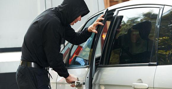 Ako ste ugledali novčić na vratima svog automobila – reagujte odmah!