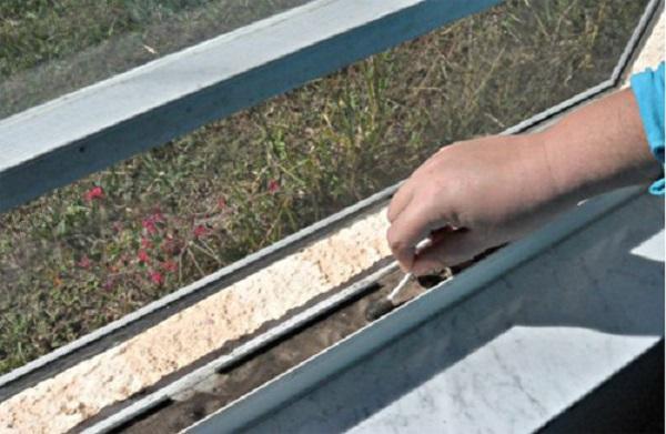 Kako oprati ramove PVC prozora.