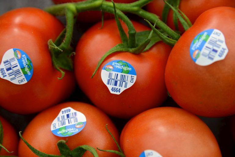 """Ako ste na etiketi od voća ugledali cifru """"8"""", ne kupujte ga! Evo,  zašto…"""
