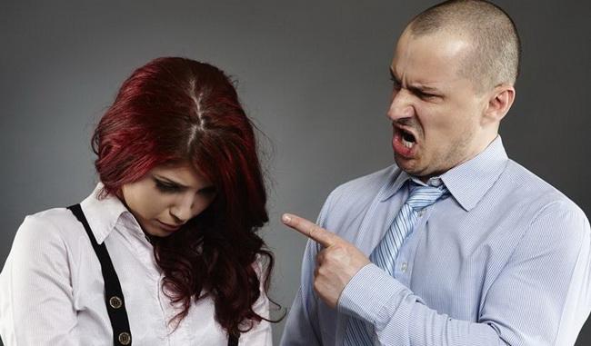 5 jasnih znakova da ste u vezi s emocionalnim psihopatom