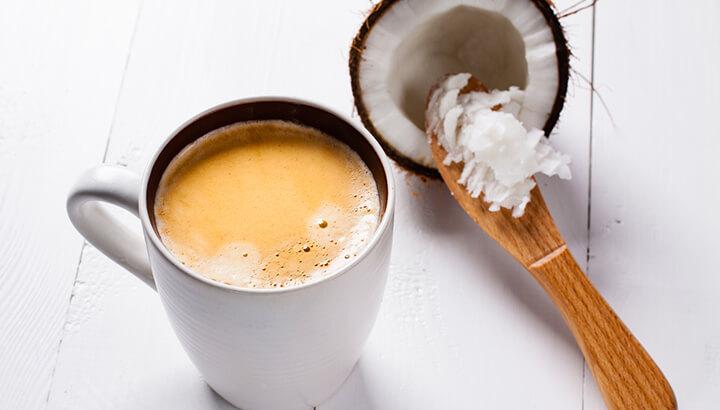 Ова слика има празан alt атрибут; име њене датотеке је Coconut-Oil-In-Coffee.jpg